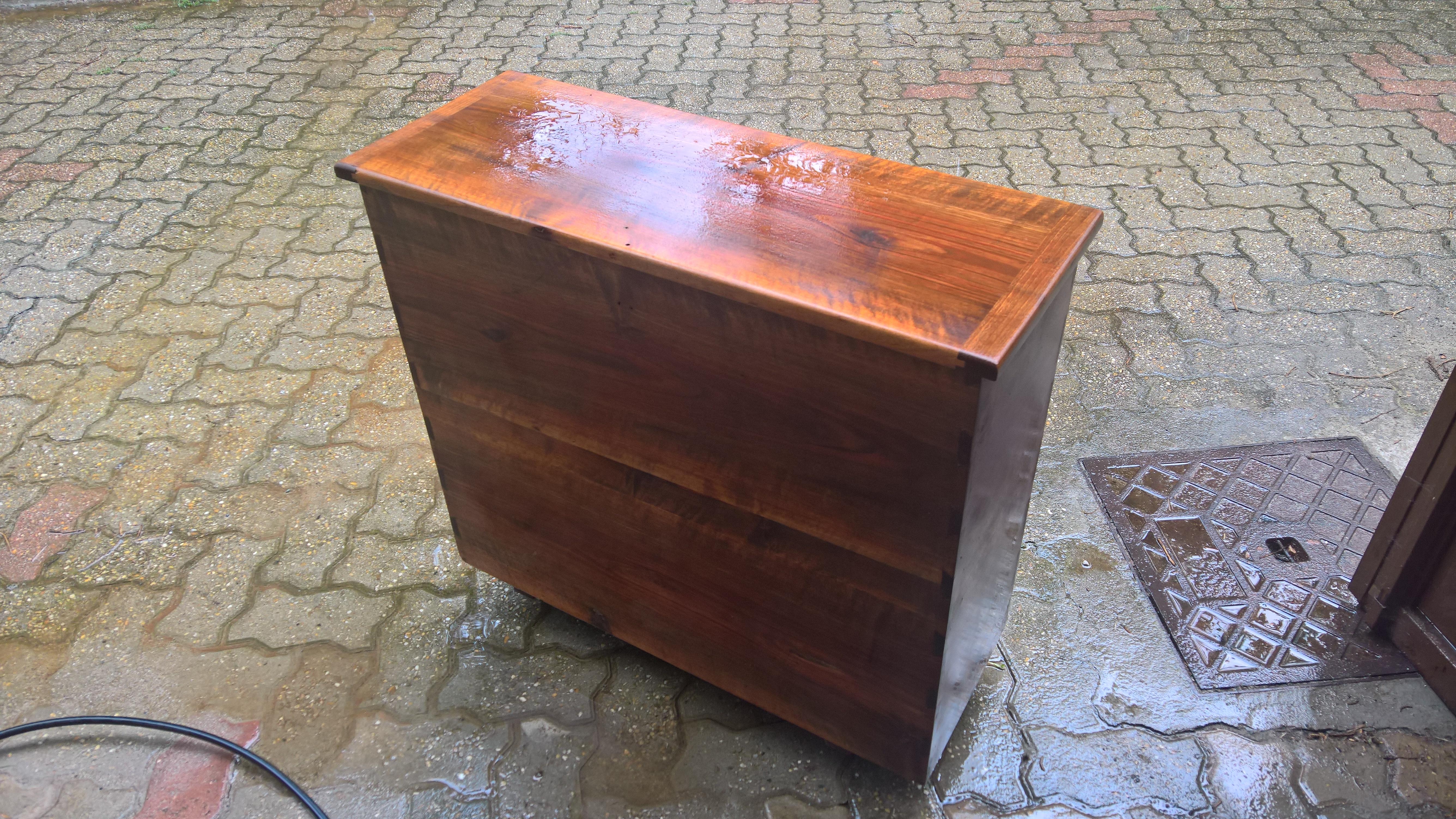 Verniciare Un Tavolo Di Legno appunti di restauro: sverniciare/riverniciare un mobile in